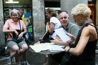 ©RGoellnitz2012 - How 'to conquer' Barcelona, RoxAnn and yoga retreat participants.