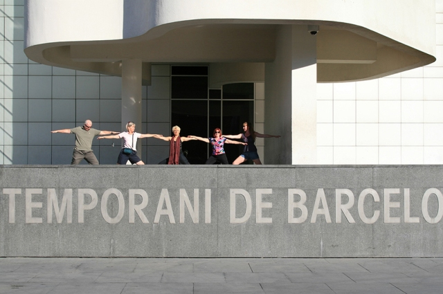 """Warriors"" posing in front of the MOCA in Barcelona"