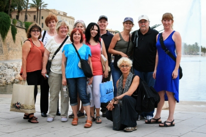 ©R. Goellnitz - RoxAnn and her Yoga Retreat Group in Palma de Majorca