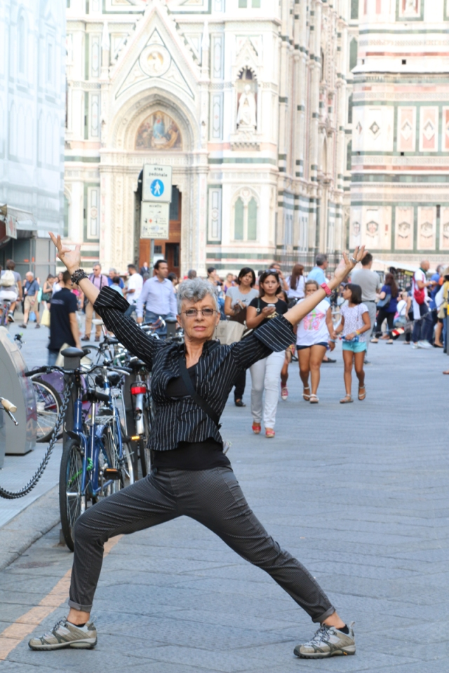 ©RGoellnitz - RoxAnn in front of Florence Duomo - September 2014